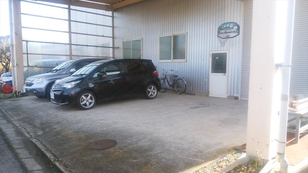 ウィークタイズ gurugur 駐車場 工場前