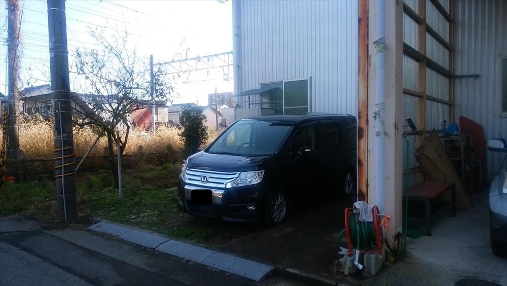 工場奥駐車場 guruguru