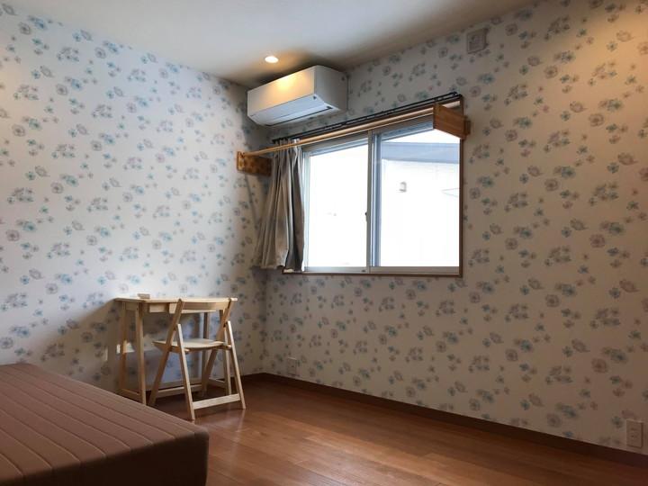 青を基調としたスタイリッシュなお部屋101号室